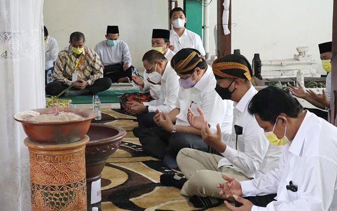 Ziarah Makam Ki Ageng Gribig, Airlangga Lestarikan Budaya Leluhur