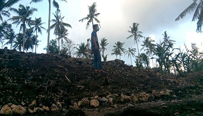 GERSANG: Tampak salah satu lahan hutan di Dusun Pucanglaban II mengalami kekeringan.