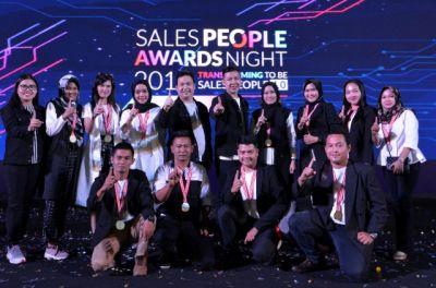 15 Sales People Terbaik Astra Motor Bali Terbang ke Malaysia
