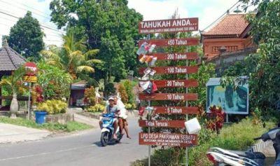 KEREN, Desa Pakraman Sebatu Pasang Papan Edukasi Bahaya Sampah Plastik