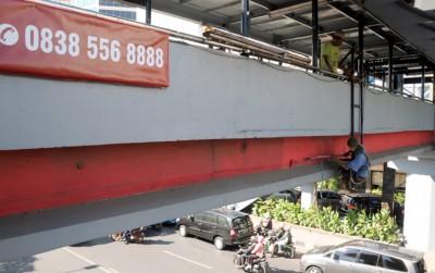 Percantik JPO di Jalan Basuki Rahmat