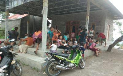 Desa Ban Kubu Krisis Air Bersih, CCAI Salurkan Air Mineral Ades