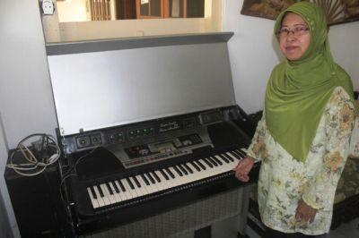 Keluarga Pencipta Minta Bernyanyi Mars Jombang Beriman Dihidupkan Lagi