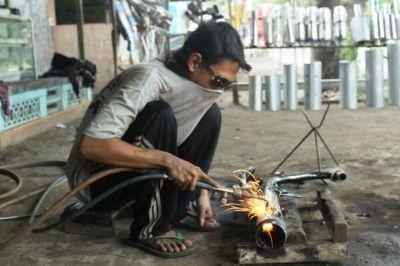 Eksis Sejak 1990, Knalpot Produksi Warga Sambong Masih Bersaing
