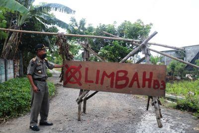 Uruk Gudang Pakai Limbah, Warga Bakalan Sumobito Meradang