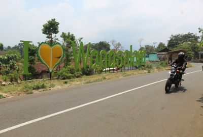 Pedagang Oleh-Oleh Wonosalam Jombang Semringah