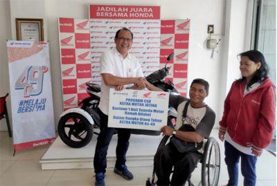 Astra Motor Jateng Berbagi Kebahagiaan dengan Penyandang Disabilitas