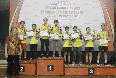 SD Kanisius Juara Umum Bulu Tangkis Simpang Tujuh Master X 2020