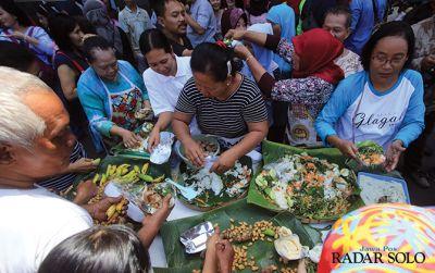 Sambut Cucu Jokowi, Bakul Pasar Gede Bancakan