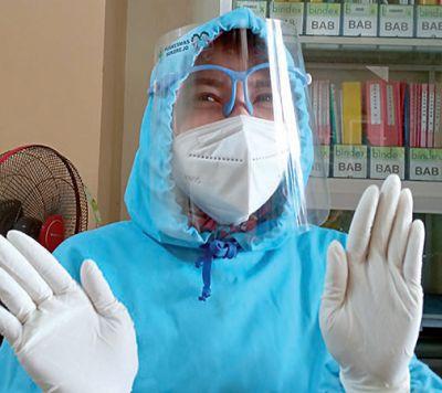 Vaksinator Terpapar, Faskes Tetap Buka