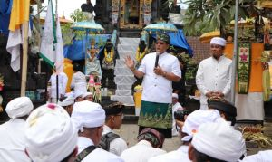 Bupati Giri Prasta Hadiri Karya Pura Agung Pasek Tohjiwa Karangasem