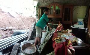 Diguyur Hujan Deras, Tebing Longsor Timpa Satu Rumah di Tamblang
