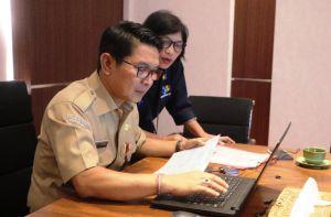 Sekda Adi Arnawa Awali Pengisian Data Sensus Penduduk Online