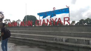 Aksara Bali Ubah Nama Alun-Alun Gianyar Jadi Gihanyar