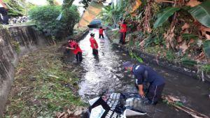 Jumat Bersih, Desa Sumerta Kelod Sasar Tukad Lobong