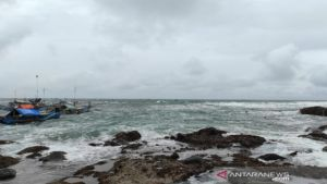 Awas Gelombang Tinggi 6 Meter di Samudra Hindia Barat