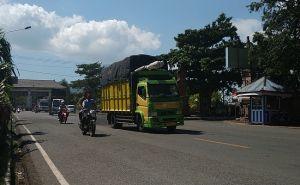 Diluar Protap! Petugas Loloskan Kendaraan Dari Luar Bali Tanpa Cek KTP