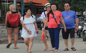 Turis Tiongkok Turun 29 %, Dubes Djauhari: Manfaatkan Momen Trade War!