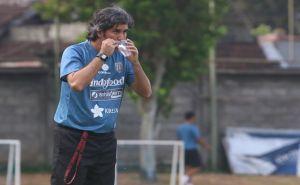 Gomez Sukses Baca Strategi Bali United, Teco Geram Kinerja Hakim Garis