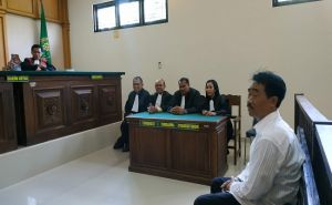 Dituntut 6 Bulan, Oknum Pengacara di Jembrana Minta Hukuman Ringan