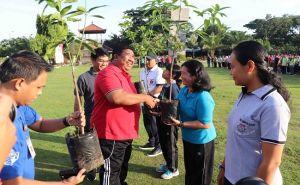 "Hasil ""Grafting"" Diuji di Buleleng, Distan Sebar 1.000 Bibit Pohon"