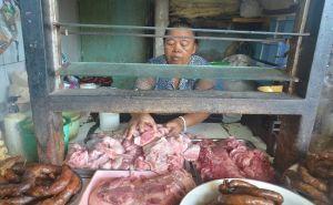 Pembeli Daging Babi Mulai Ketakutan, Harga Daging Babi Terancam Kacau