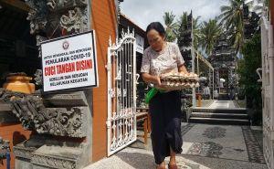 Khusus di Gianyar, Sipeng Batal, Sembako KK Miskin Tetap Dibagikan