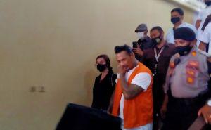 Polisi Halangi Wartawan yang Meliput Sidang JRX di Polda Bali