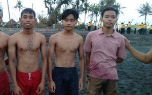 Tiga Pemuda DigulungOmbak Besar di Pantai Keramas Gianyar