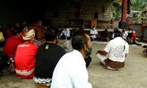 Arak Gula Banjiri Sidemen, Perajin Arak Desa Adat Kebung Protes Keras