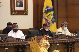 Raperda Inisiatif DPRD Bali tentang Retribusi Jasa Usaha Topang PAD