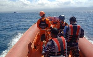 OMG! Penumpang Kapal Jatuh ke Laut saat Menyeberang ke Gilimanuk