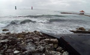 Waspada Gelombang Tinggi di Laut Bali