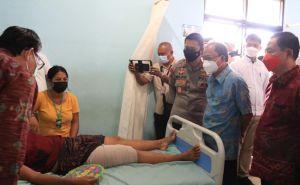 Gubernur Koster Jenguk Korban Gempa di Karangasem dan Bangli