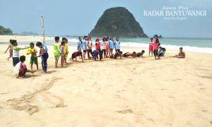 Demi Regenerasi, Atlet Gulat Digembleng di Pulau Merah