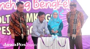 SMK PGRI Pesanggaran Launching Bengkel Oltek Service Center
