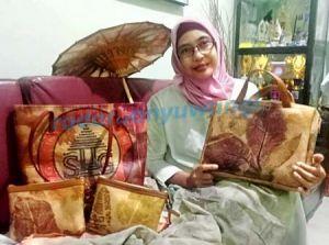Dessy Darmawati, Pencipta Kreasi Produk dari Kantong Semen Bekas
