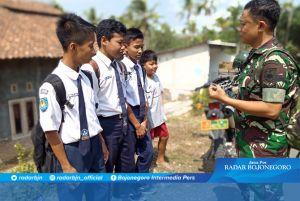 Tanamkan Kedisiplinan, Sertu Mulyono Berikan Komsos Pada Remaja SLTP