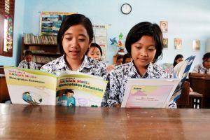 Dana BOS untuk Siswa SD dan SMP: Ada Yang Terima Rp 2,5 Juta