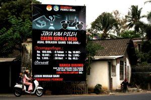 Pilkades di Kediri: Baliho Sindiran Money Politics Muncul di Kranding
