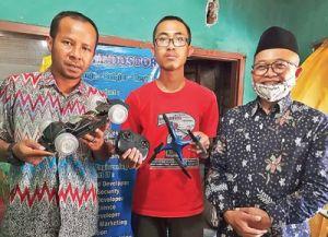 Siswa MAN 2 Kota Kediri yang Bikin Rangka Drone Berbahan Sampah