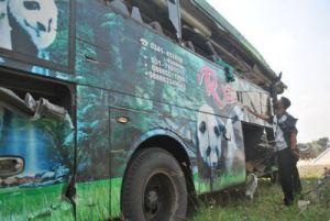 Bus vs Truk di Sukomoro: Enam Pulang dari RS, Satu Masih Kritis
