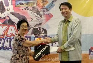 Nasabah BPR Taruna Adidaya Santosa Raih Honda PCX