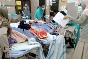 Diduga Keracunan Makanan, Puluhan Santri Dilarikan ke Rumah Sakit