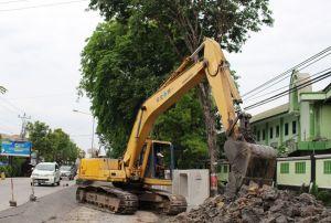Jalan Diponegoro Dibeton, Jalur Purwodadi-Solo Ditutup