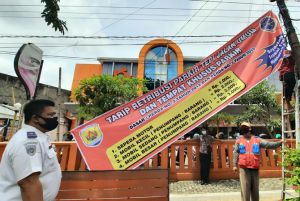 Dishub Grobogan Pasang Banner Tarif Parkir di Titik Keramaian