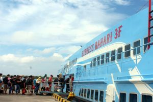 Akhir Pekan Ini Kapal Express Bahari Tambah Trip