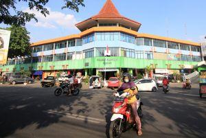 Pedagang Pasar Kliwon Galau Tiba-tiba Ditagih Rp 5 Juta, Apa Sebab?