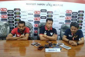Tempat Menginap Pemain Madura FC Diserang