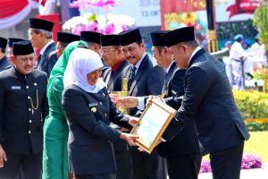 Bupati Sampang Terima Penghargaan Asmantoga